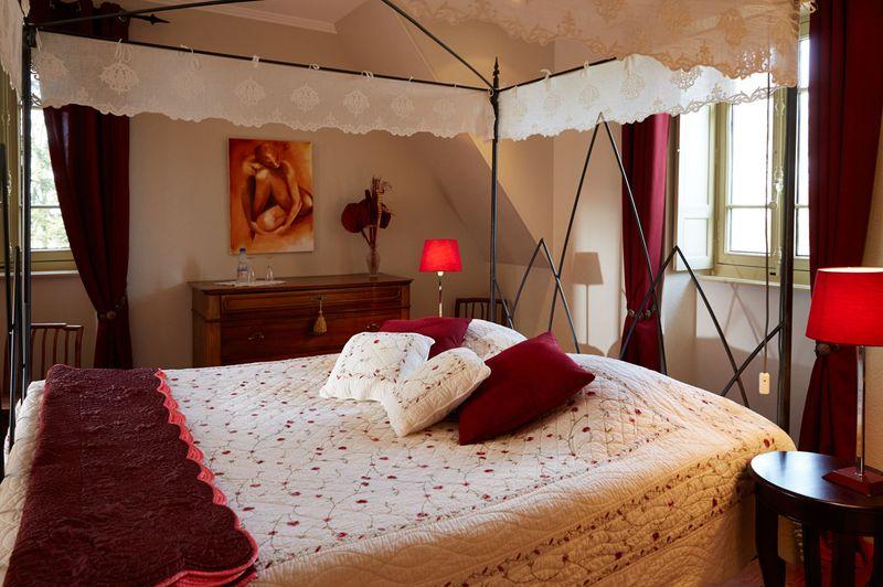 Chambre double pour amoureux avec salle de bain priv e et for Chambre amoureux